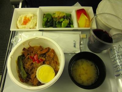 ANA の機内食 成田・ロサンゼルス
