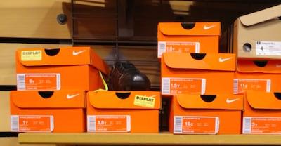 アメリカの靴のサイズ 箱の外のラベル