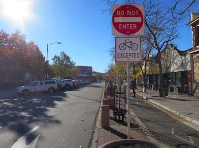 アメリカの交通標識 Do Not Enter 進入禁止