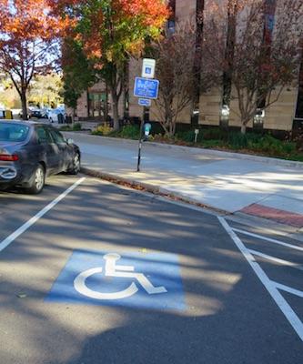 アメリカの交通 駐車場