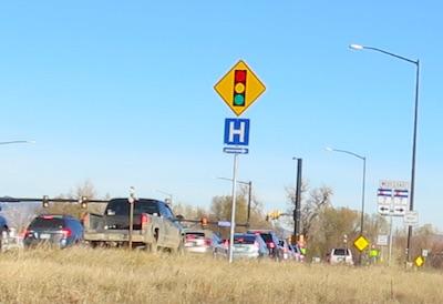 アメリカの交通標識 H 病院