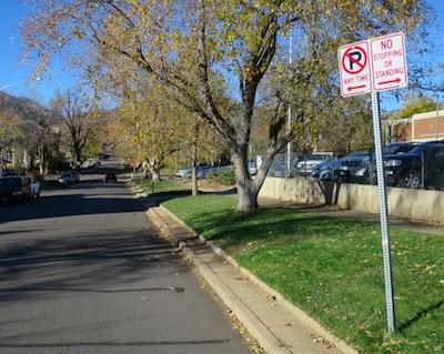 アメリカの交通標識 No Parking 駐車禁止