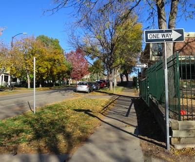 アメリカの交通標識 One Way 一方通行