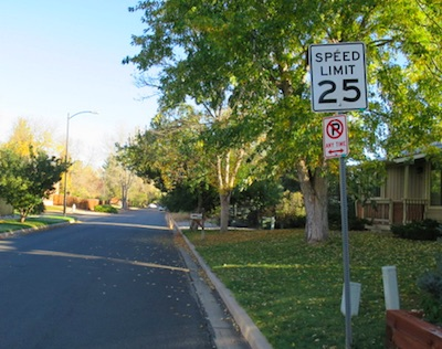 アメリカの交通標識 制限速度