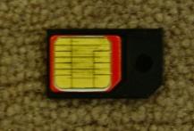 マイクロSIM とアダプター