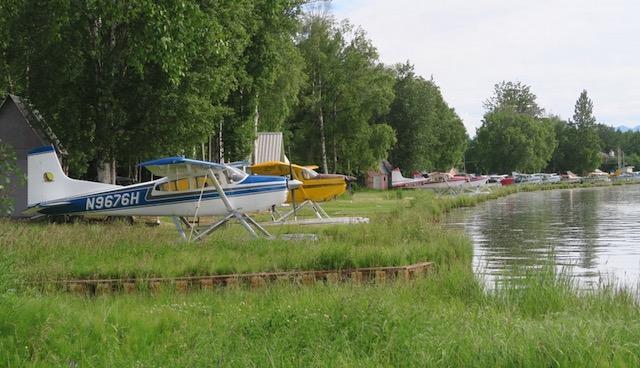 Anchorage 水上飛行機 フッド湖水上飛行場