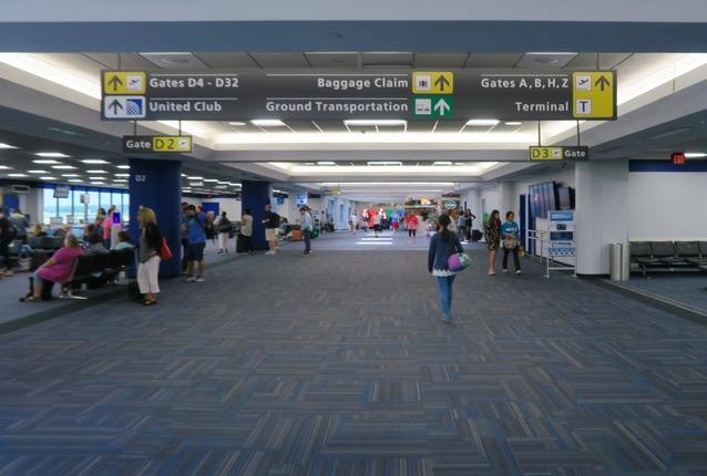IAD ワシントン・ダラス国際空港 IAD